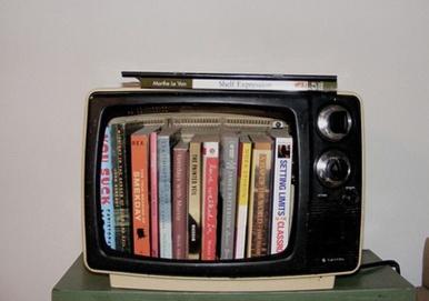 bookshelf i n TV 8
