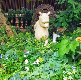 Pooh bear flower dome